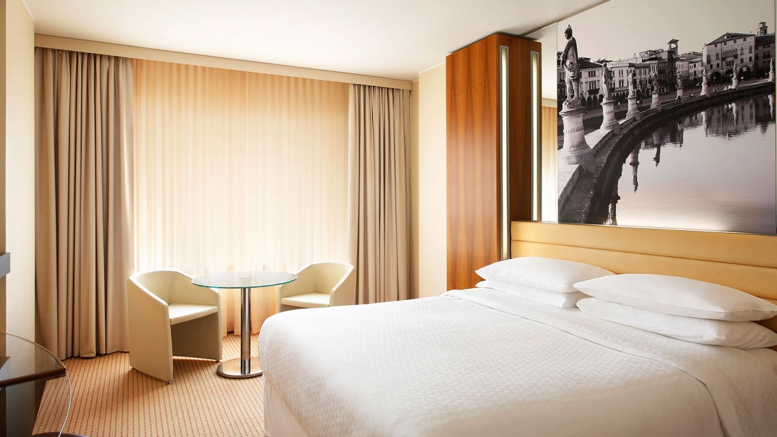 1executive-room-four-points-by-sheraton-padova